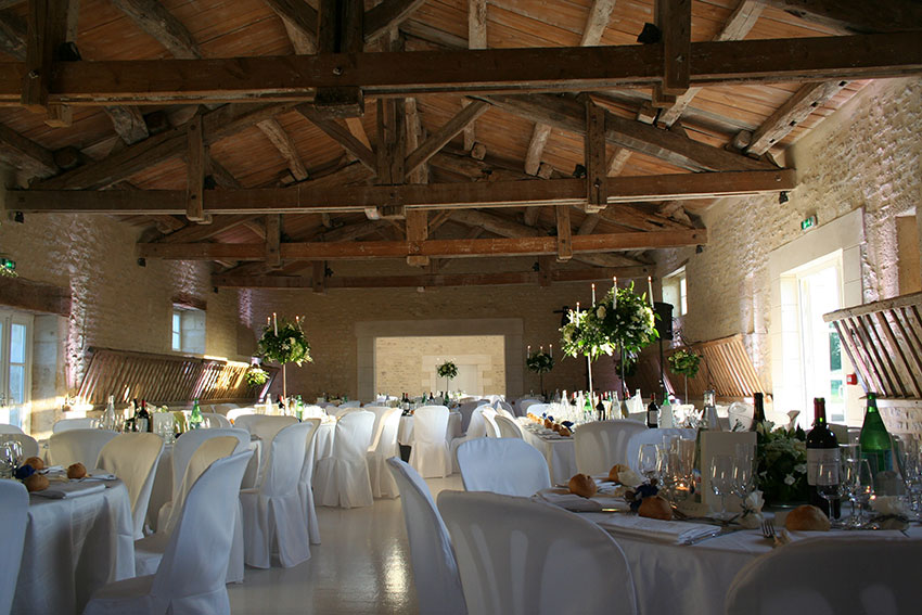 Salle de mariage v nements location entre niort et for Piscine grace de dieu